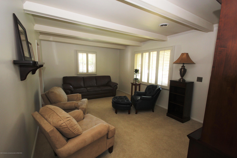 1415 Roselawn Ave - Living Room - 5