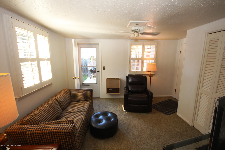 1415 Roselawn Ave - Family Room - 13
