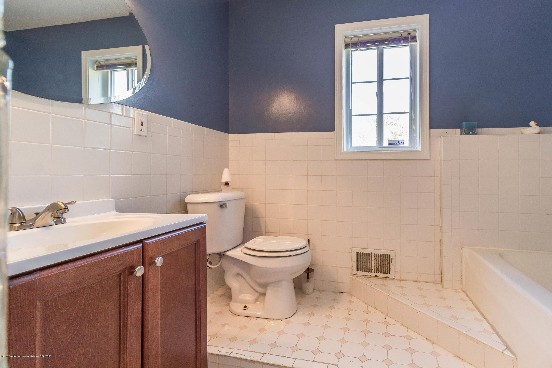 1656 W 5 Point Hwy - bathroom - 14