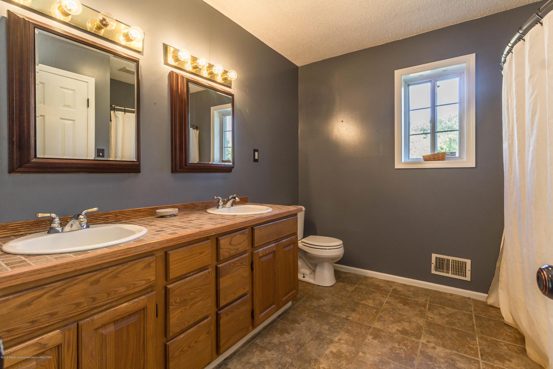 1656 W 5 Point Hwy - bathroom - 16