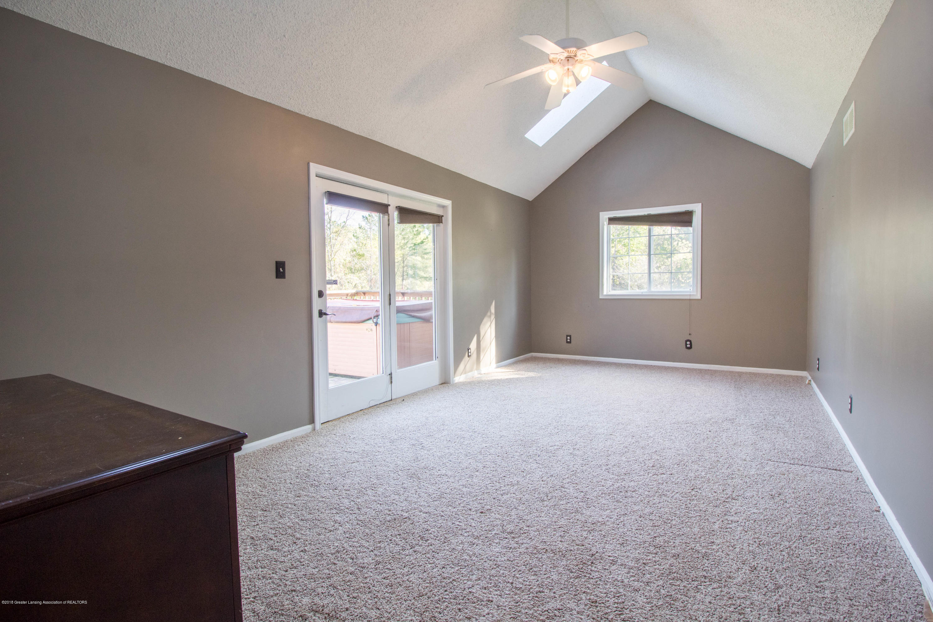 1656 W 5 Point Hwy - Master bedroom - 19