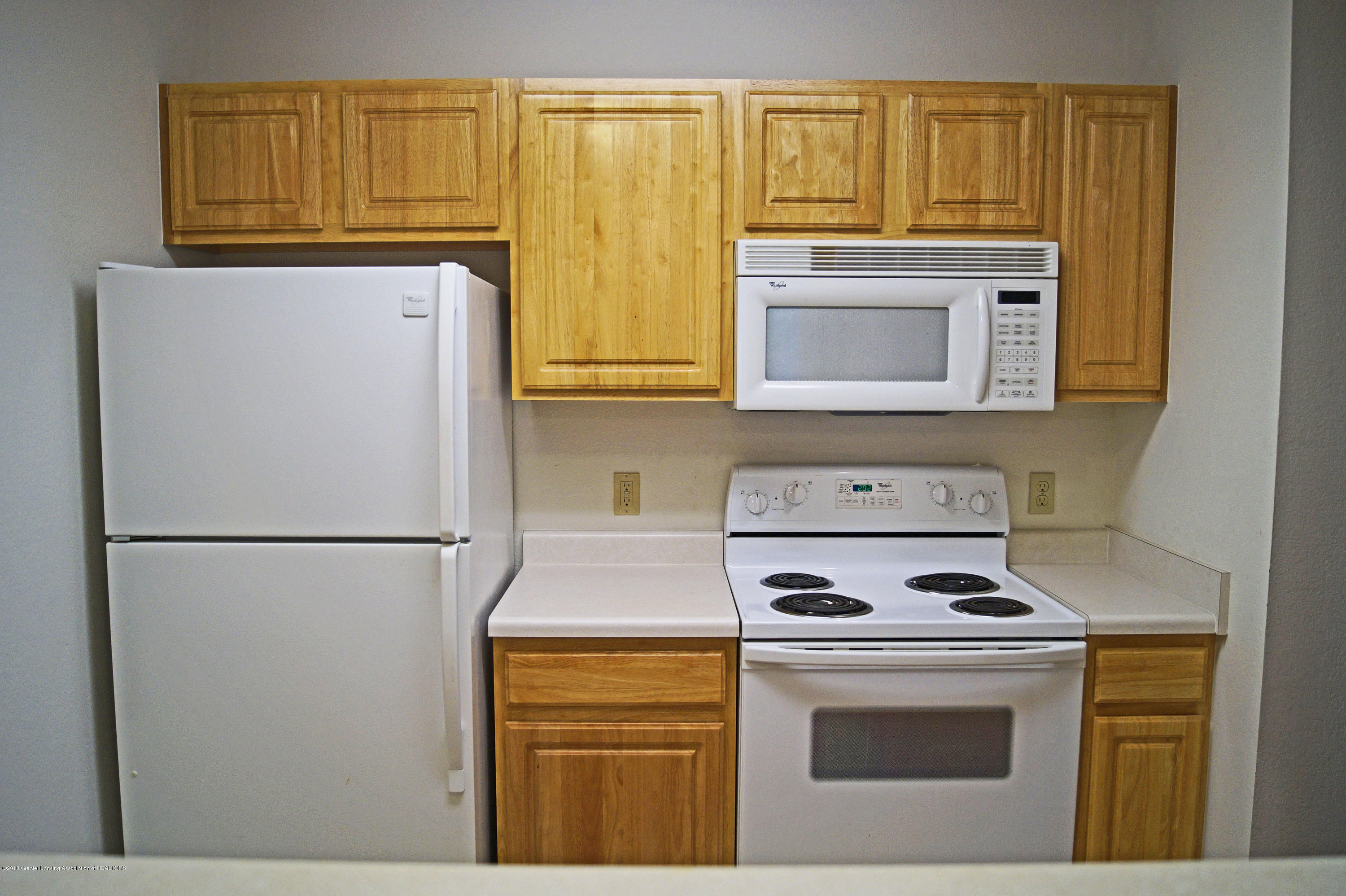 338 W Saginaw St UNIT 9 - Kitchen - 7