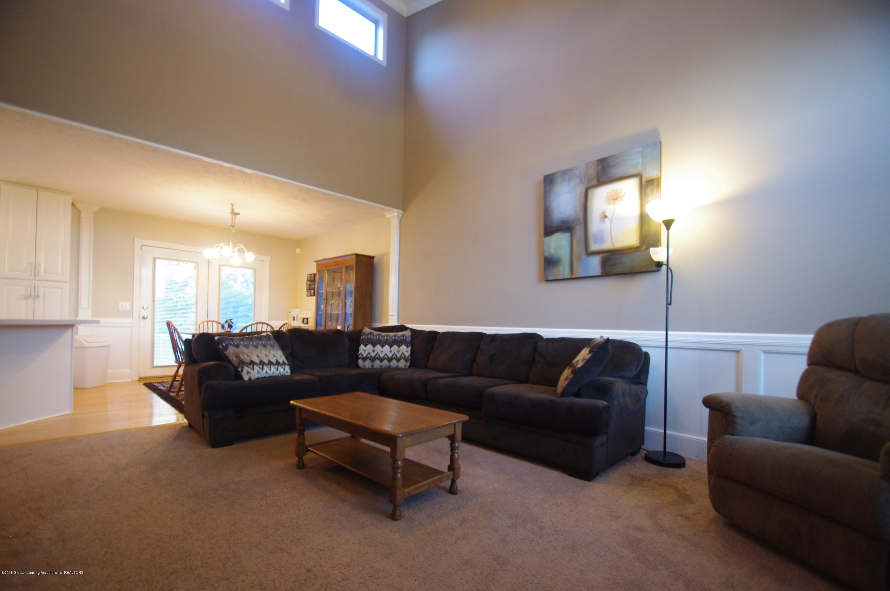 1248 Calumet Dr - Living Room - 6
