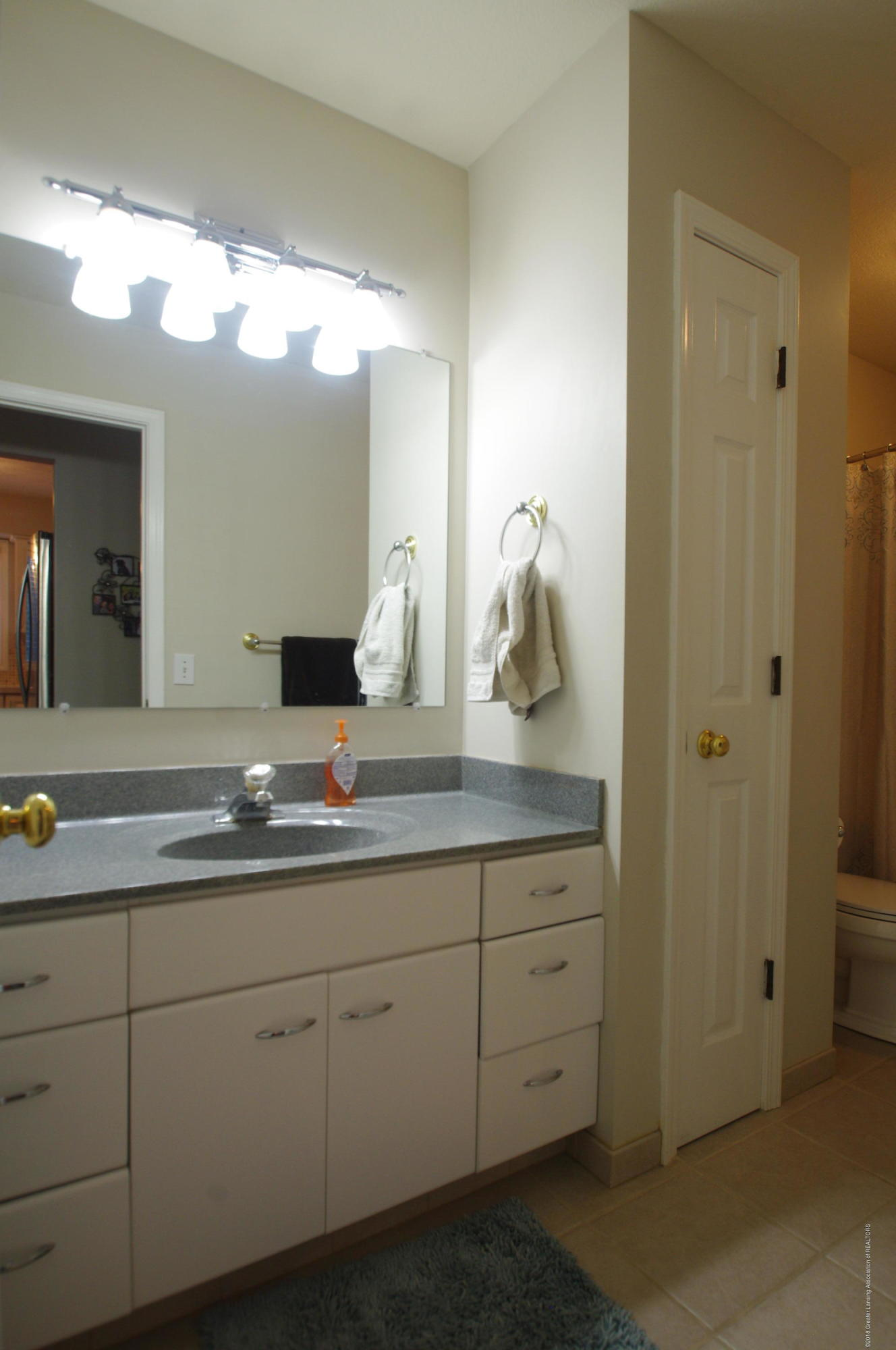 1248 Calumet Dr - Full Bathroomn - 21