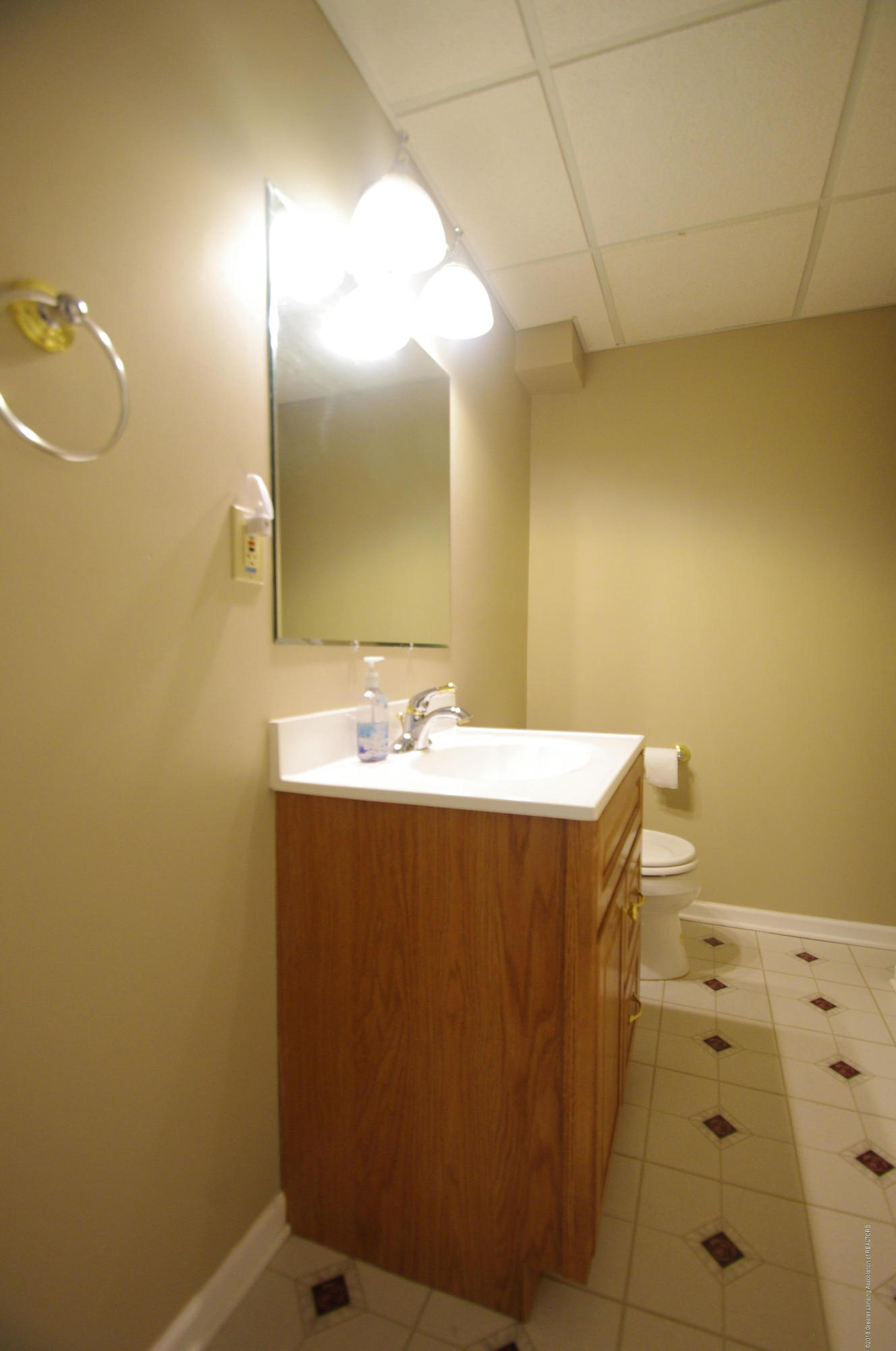 1248 Calumet Dr - Lower Level Bathroom - 32