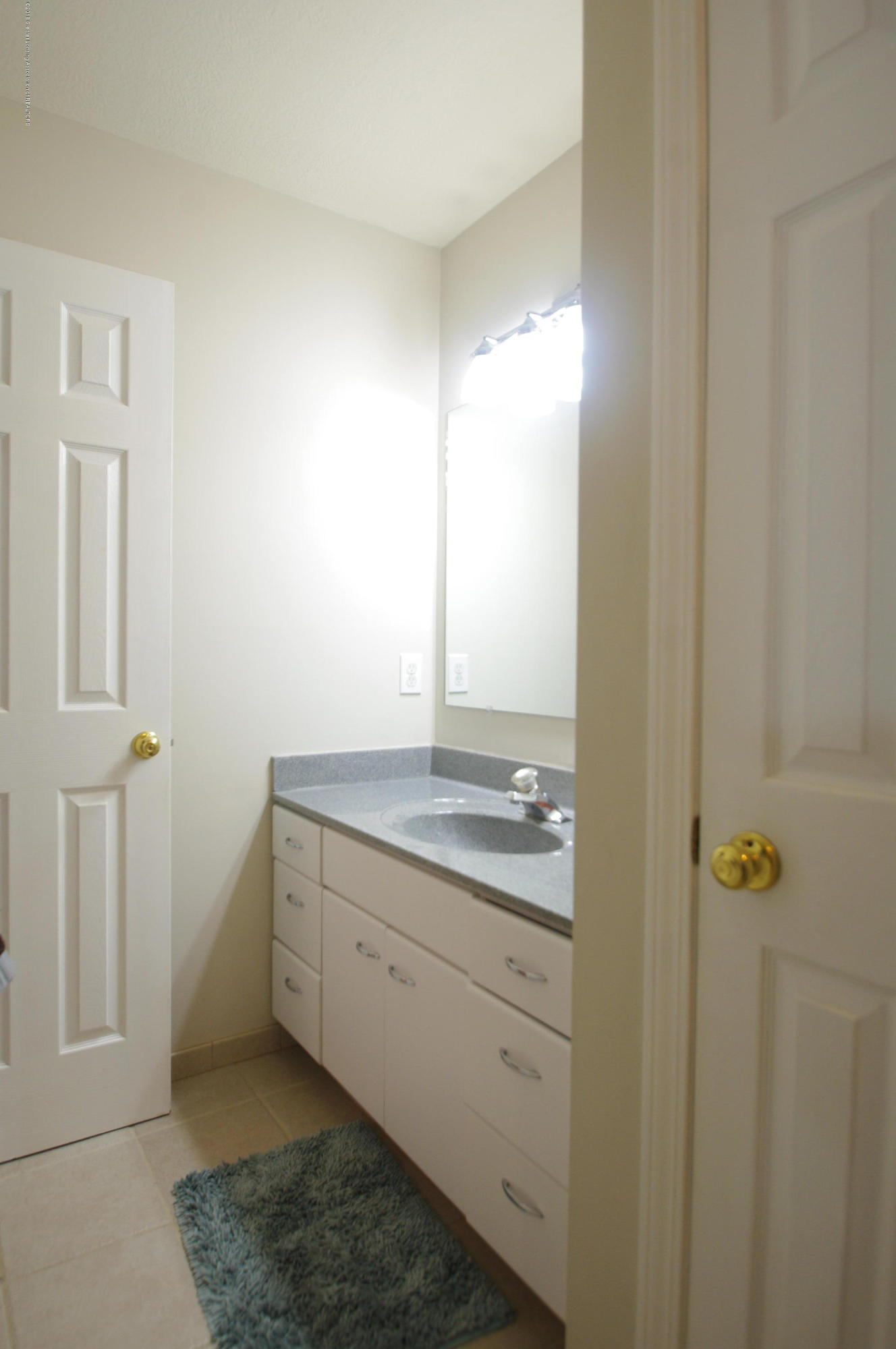 1248 Calumet Dr - Full Bathroom - 22