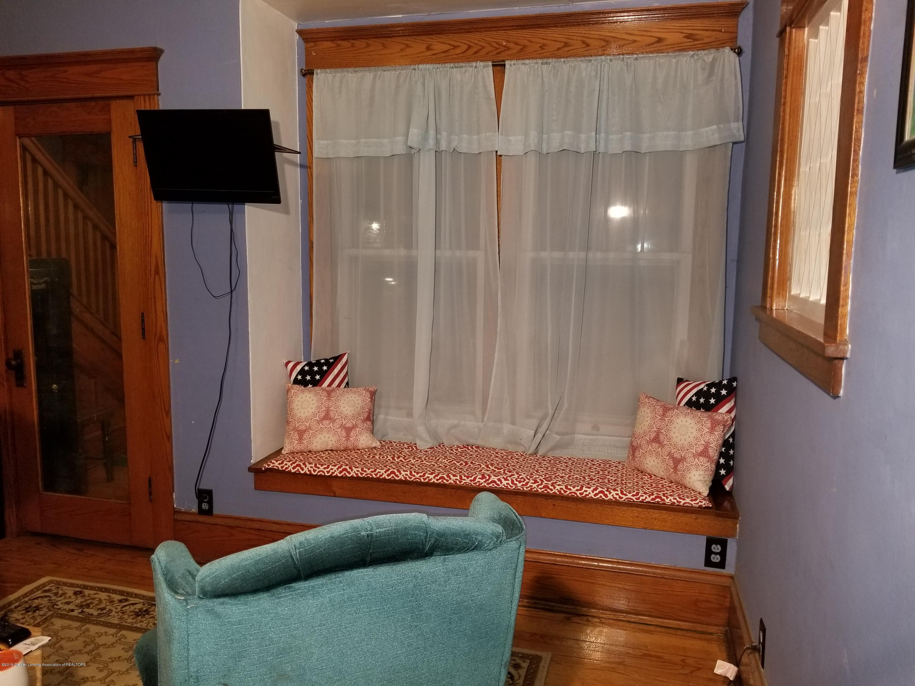 302 E State St - Parlor Window_Seat - 7