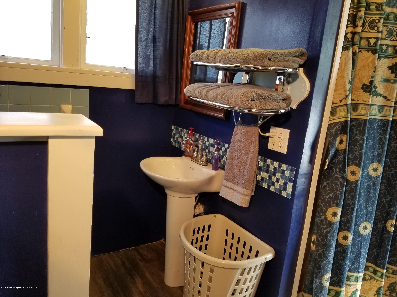 302 E State St - Bathroom - 14