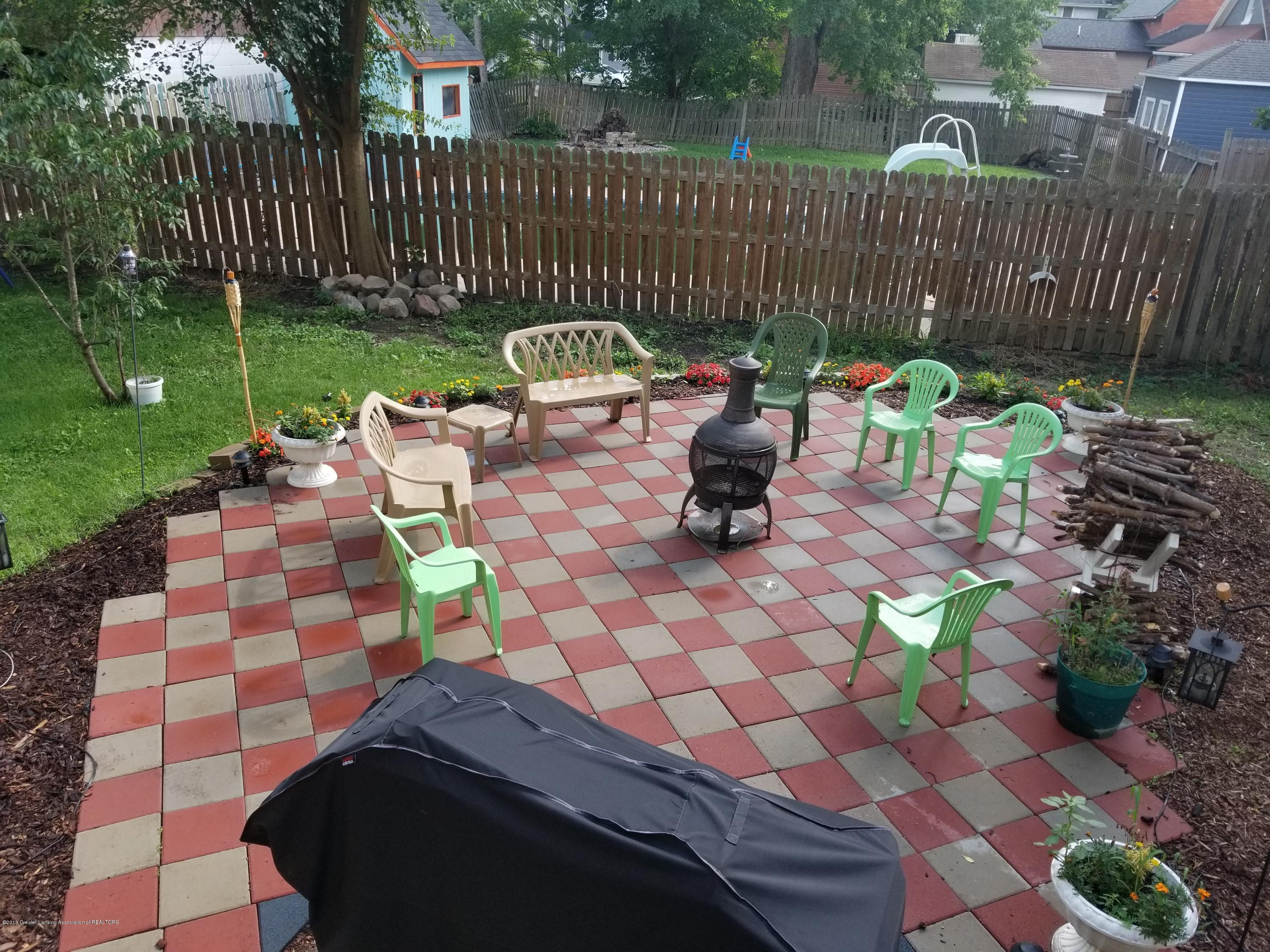 302 E State St - Patio - 43