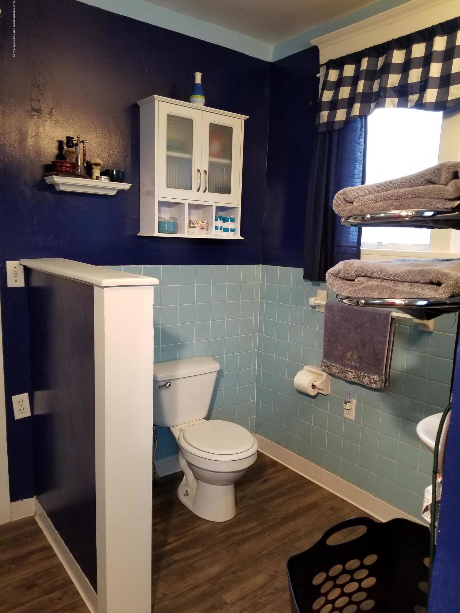 302 E State St - Bathroom - 13