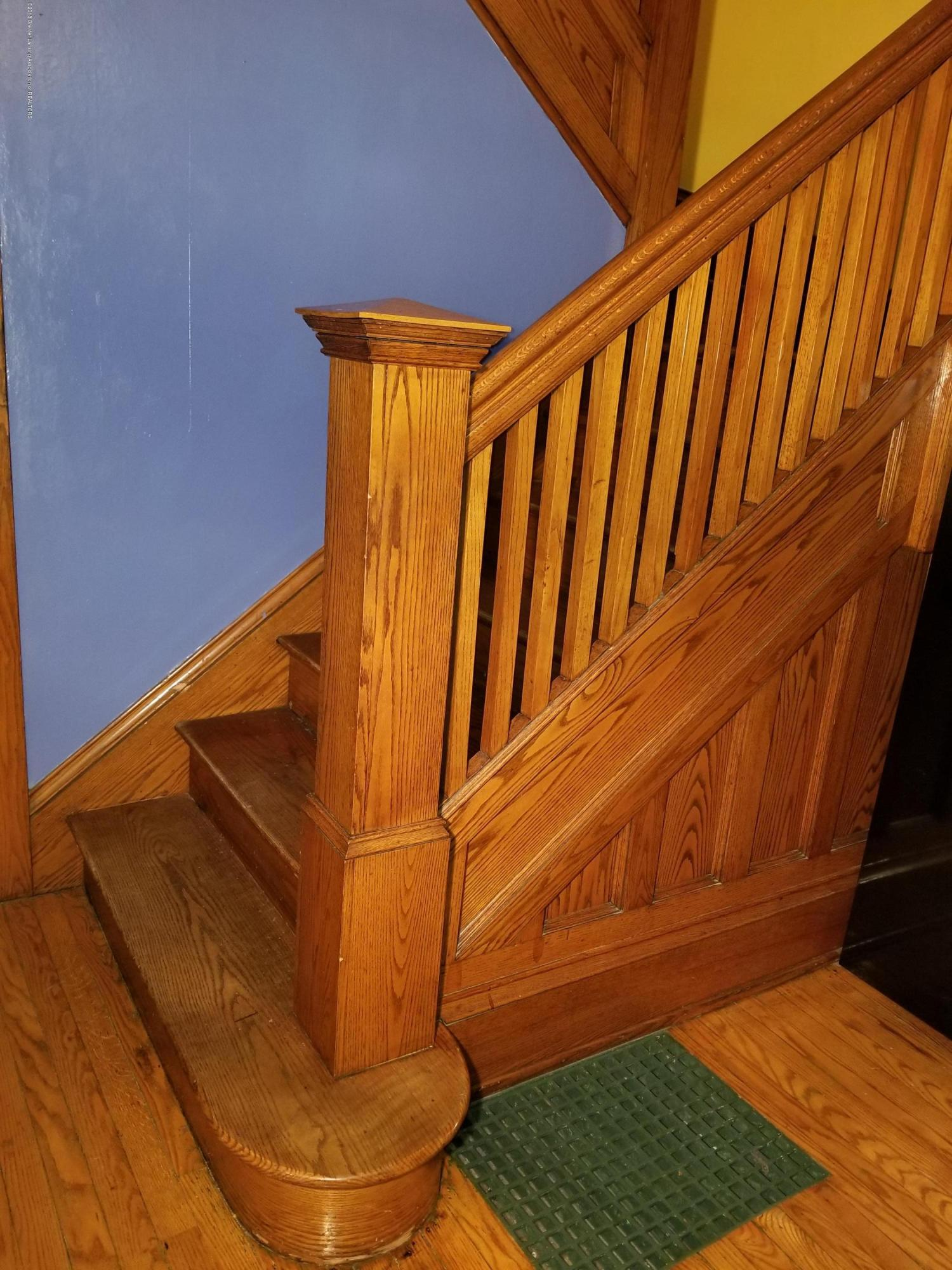 302 E State St - Parlor_Stairs - 21