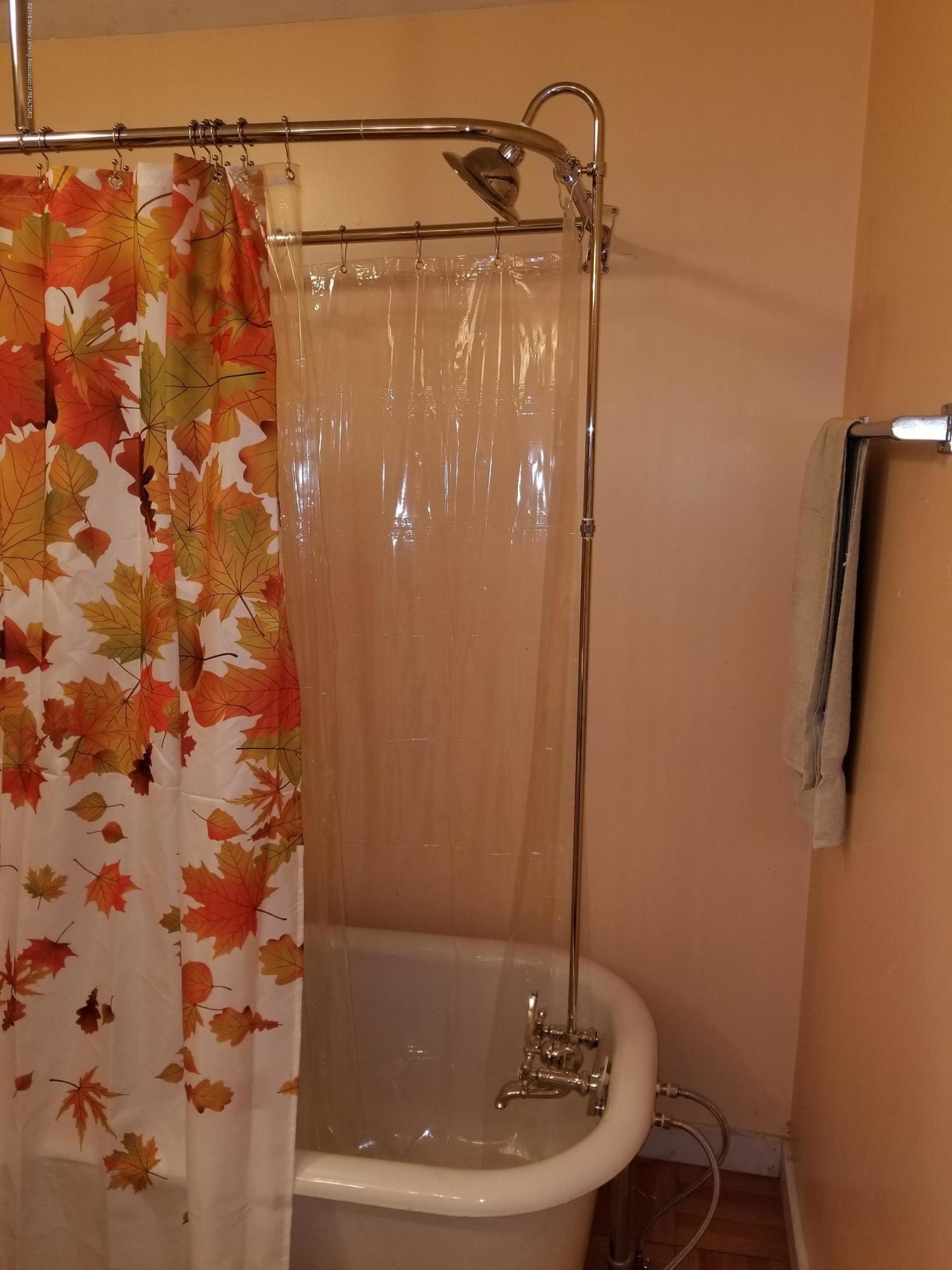 302 E State St - Bathroom - 28