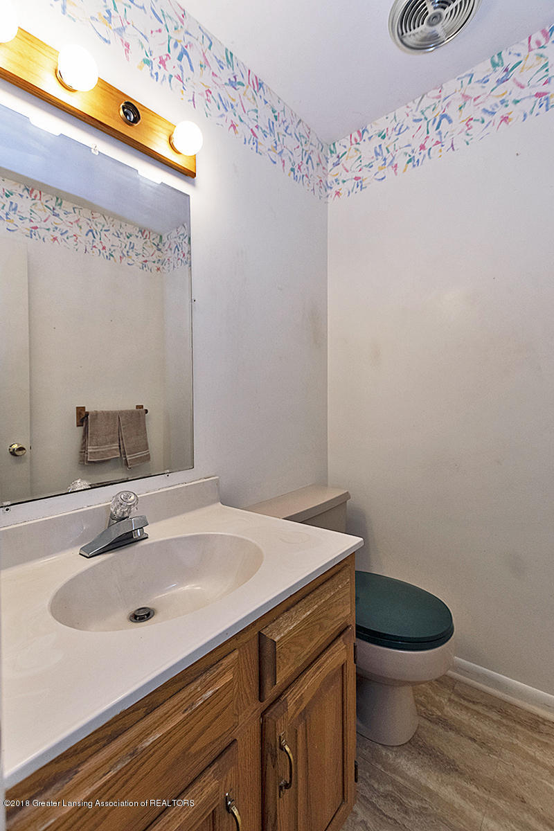 3596 E Hiawatha Dr - 3596 E Hiawatha Lower Level Half Bath - 15
