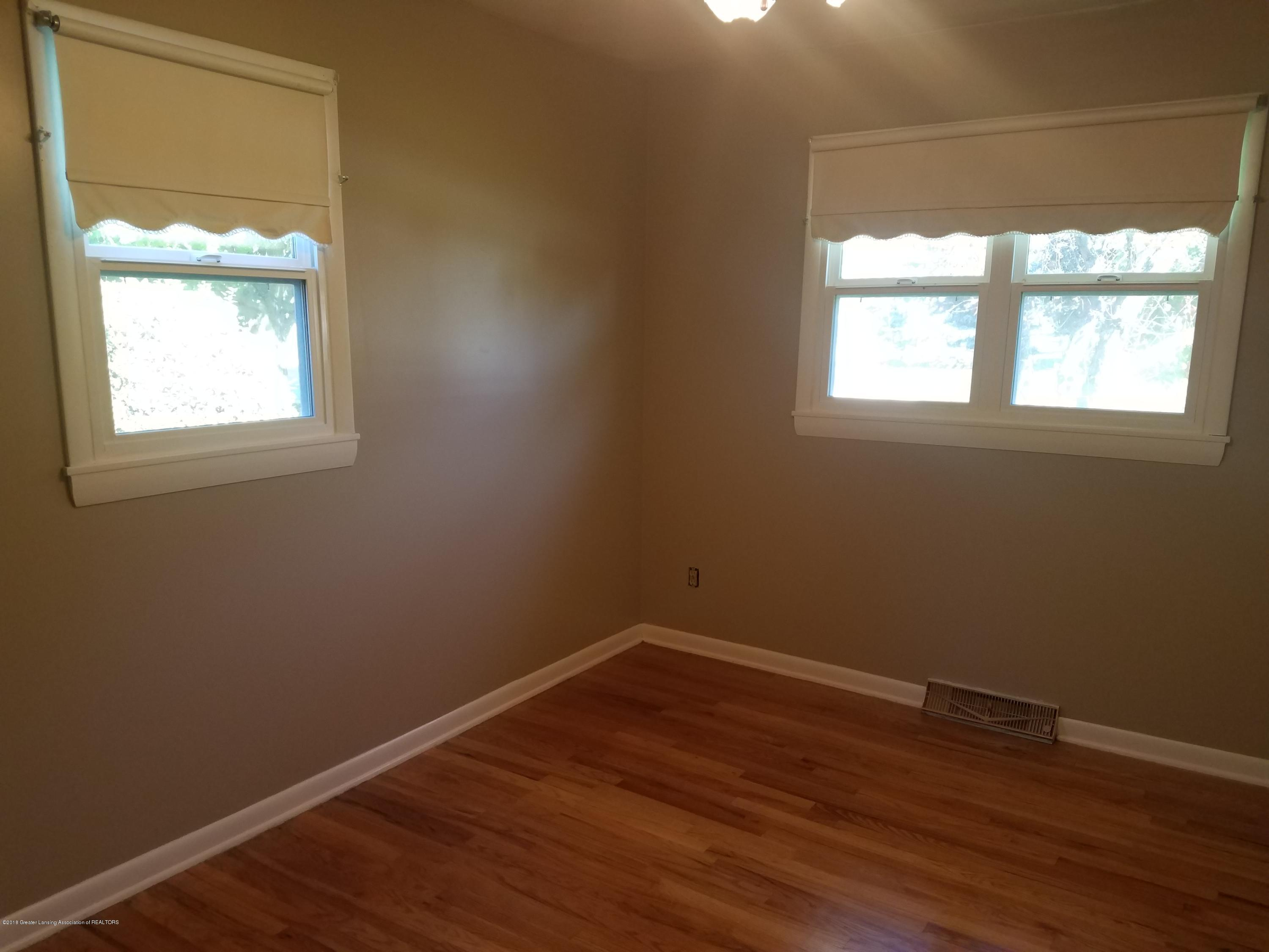 604 S Baker St - Bedroom - 15