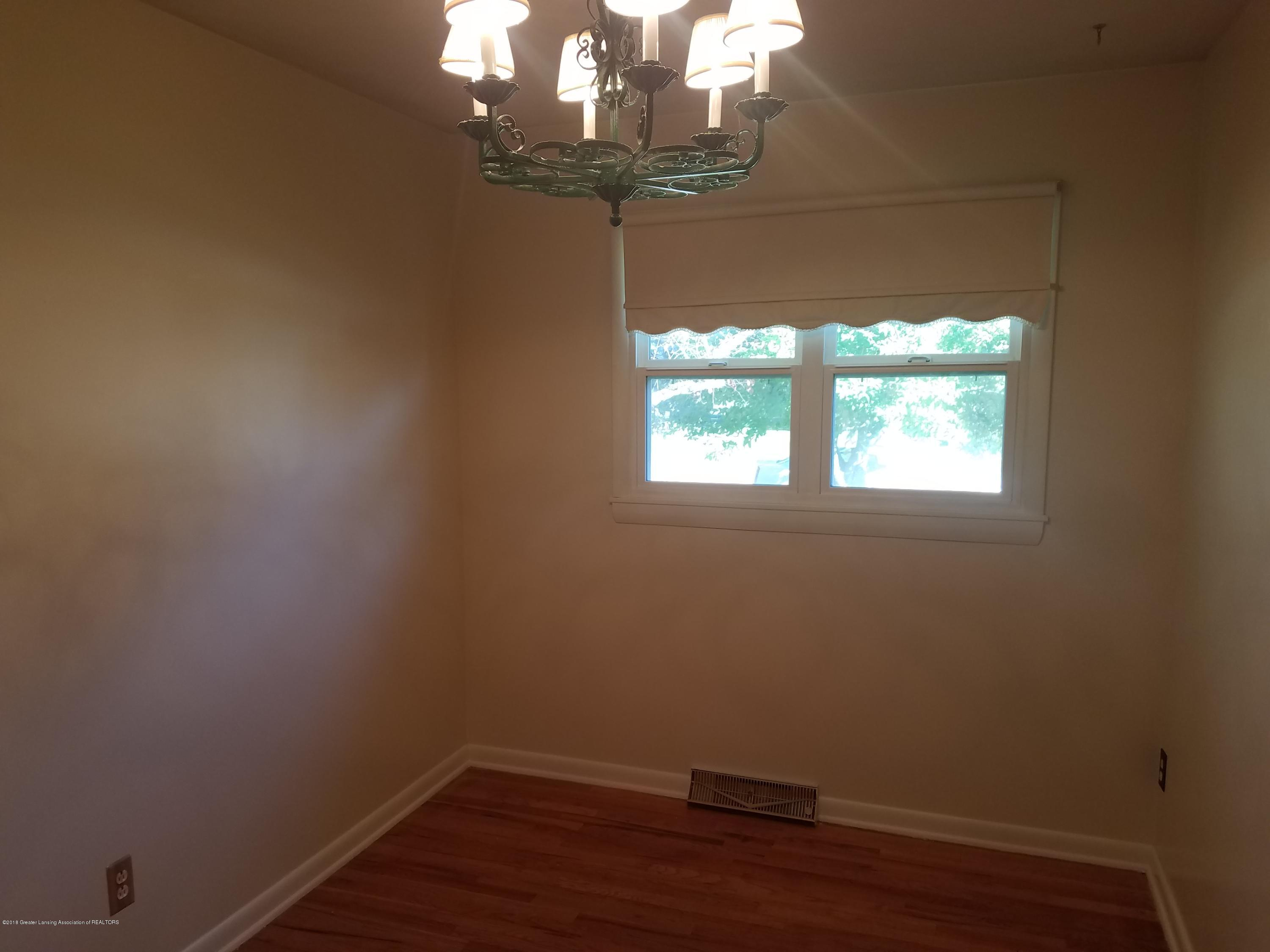 604 S Baker St - Bedroom - 17