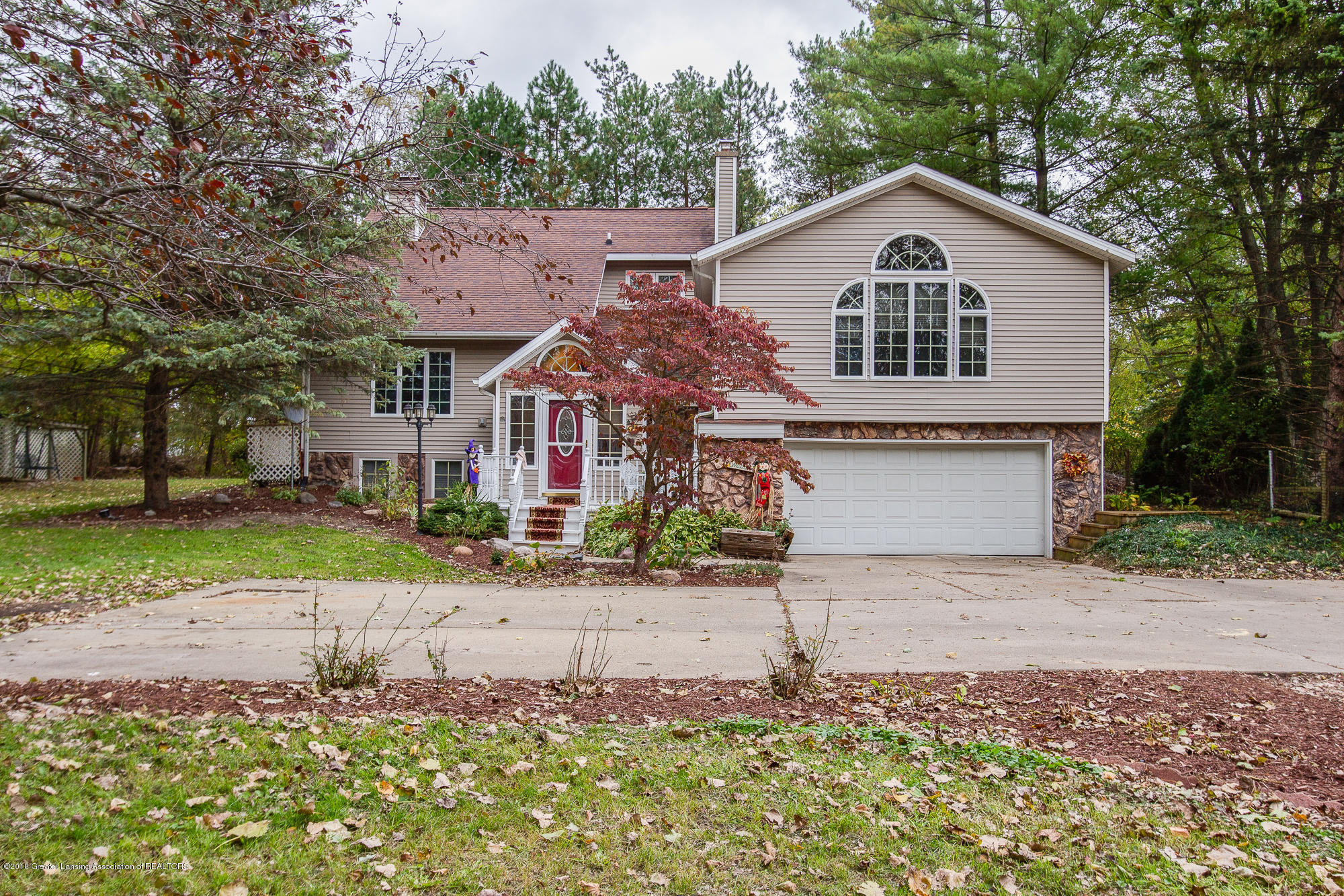 930 Harrison Ct - Front - 1