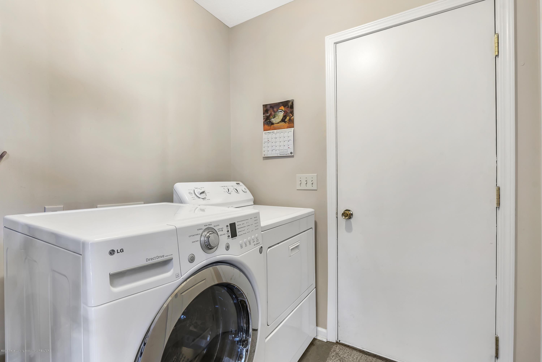 2037 Wyndham Hills Dr - Laundry - Mud - 15