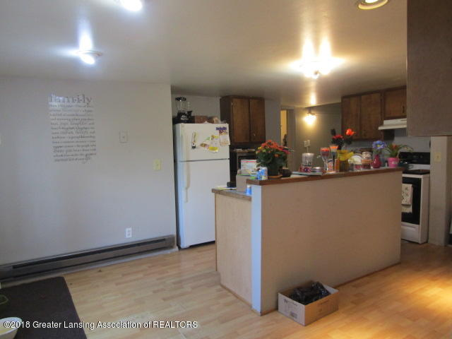 6491 Park Lake Rd - Eat In Kitchen - 2