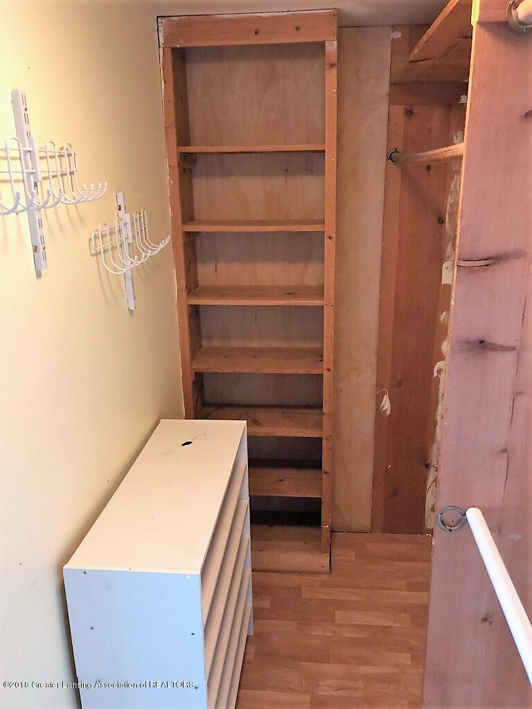6112 Columbia St - Master Bedroom Closet - 24