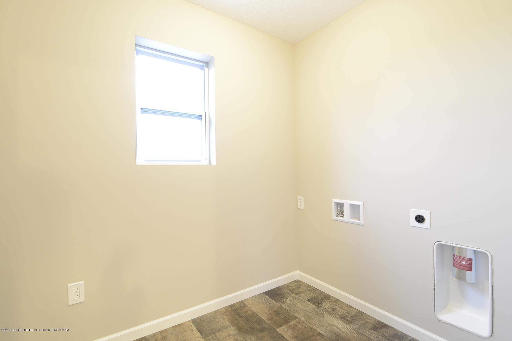 3586 Fernwood Ln - GDN111-E1700 Laundry Room - 12
