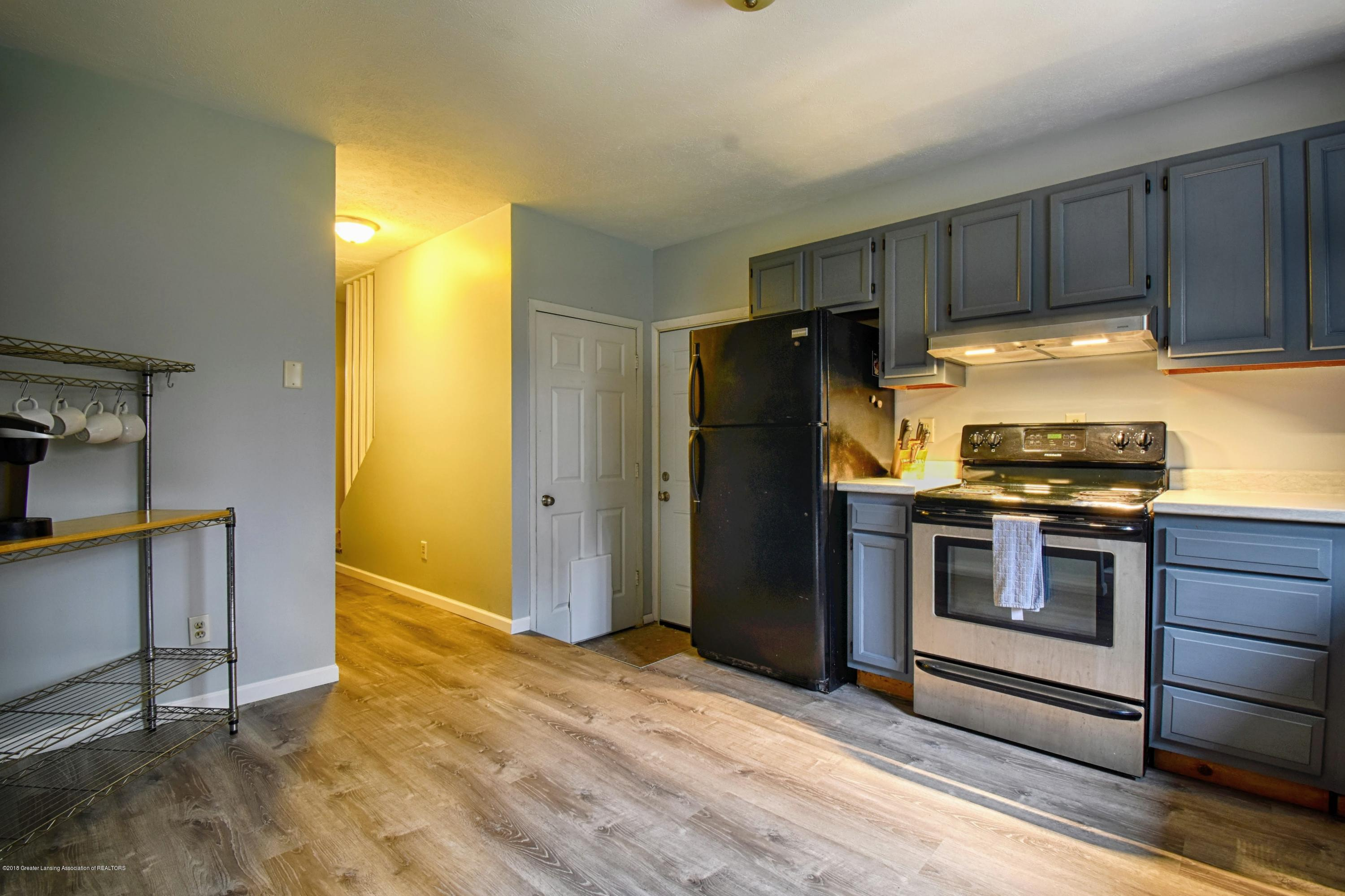 2029 W Miller Rd - Kitchen - 5