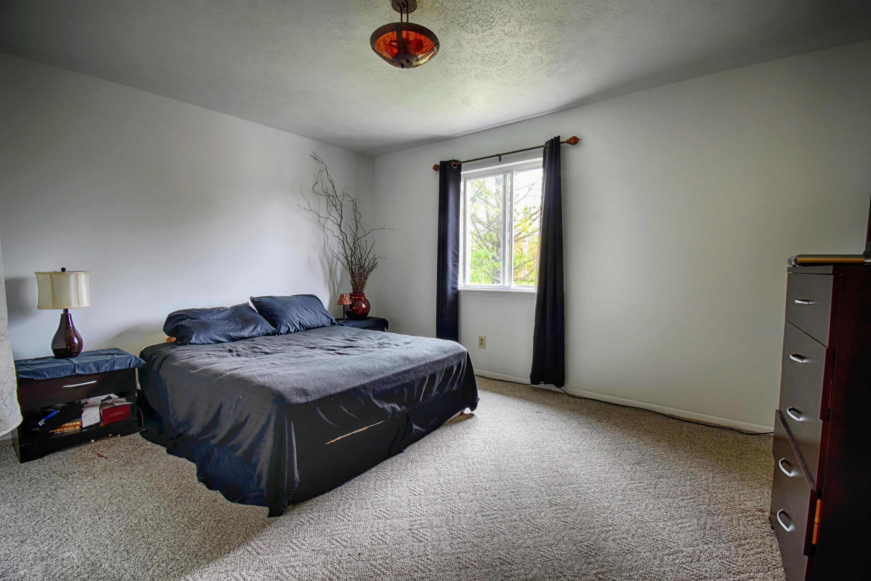 2029 W Miller Rd - Bedroom 1 - 6