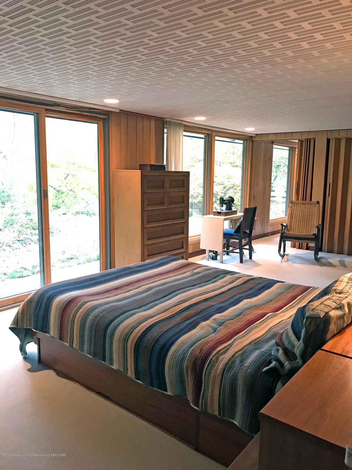 4045 Van Atta Rd - 4045 Van Atta divided Master Bedroom - 16