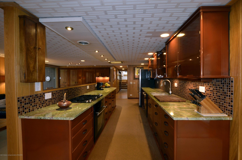 4045 Van Atta Rd - 4045 Van Atta Kitchen corridor - 22