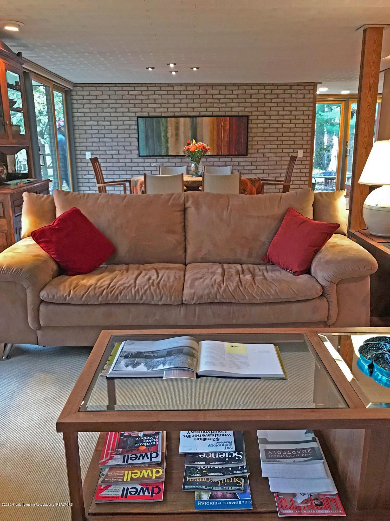 4045 Van Atta Rd - 4045 Van Atta Living Room - 20