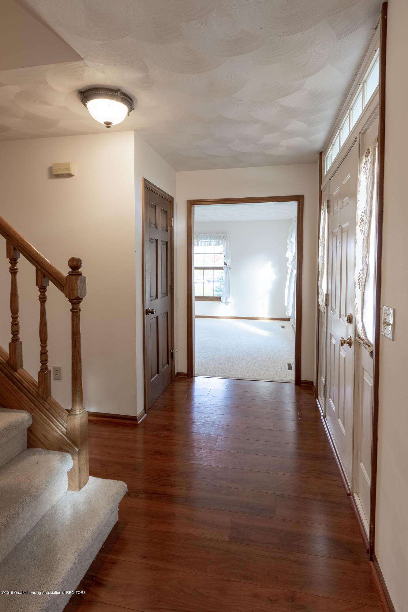 3981 Breckinridge Dr - Foyer - 9