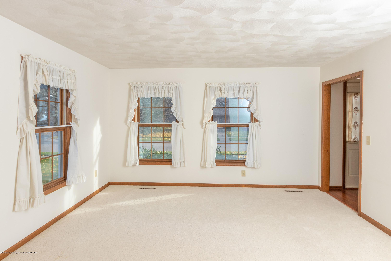 3981 Breckinridge Dr - Living Room - 13