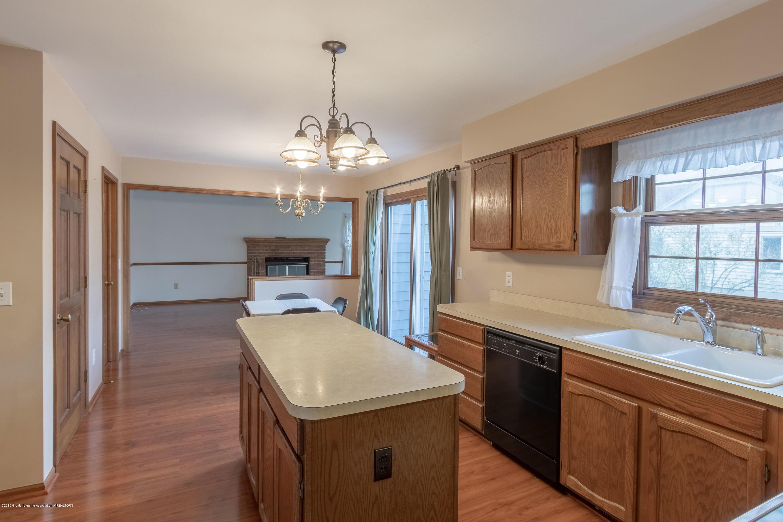 3981 Breckinridge Dr - Kitchen - 15