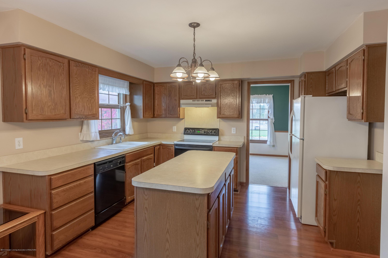 3981 Breckinridge Dr - Kitchen - 16