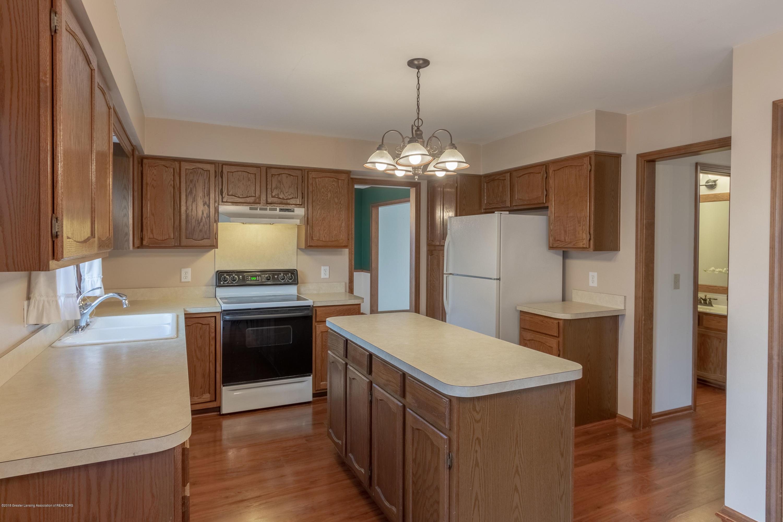 3981 Breckinridge Dr - Kitchen - 17