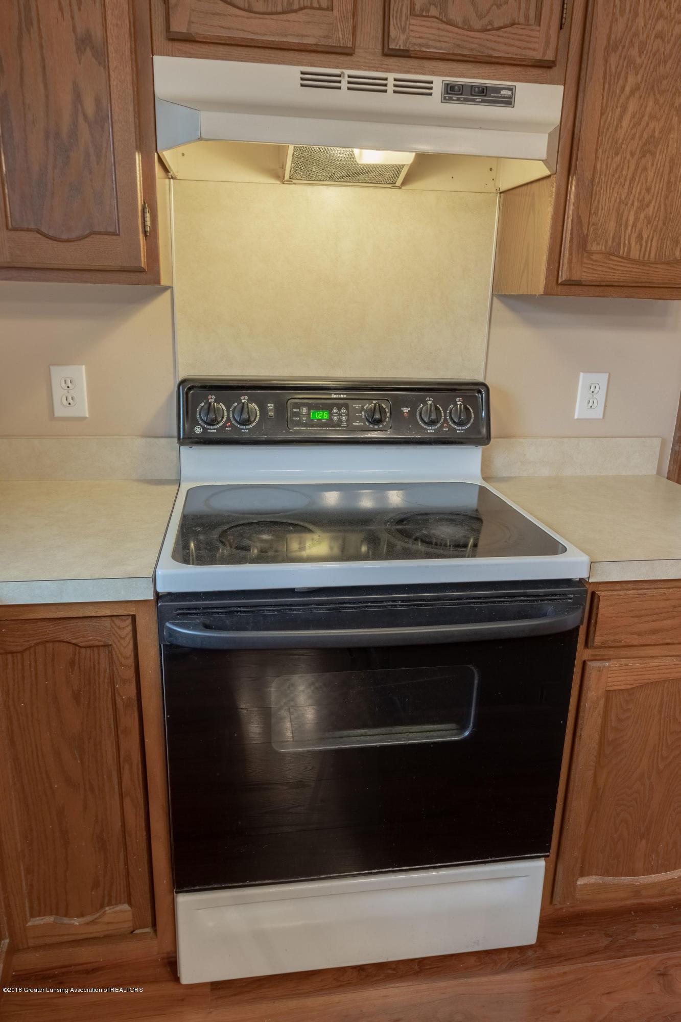 3981 Breckinridge Dr - Kitchen - 19