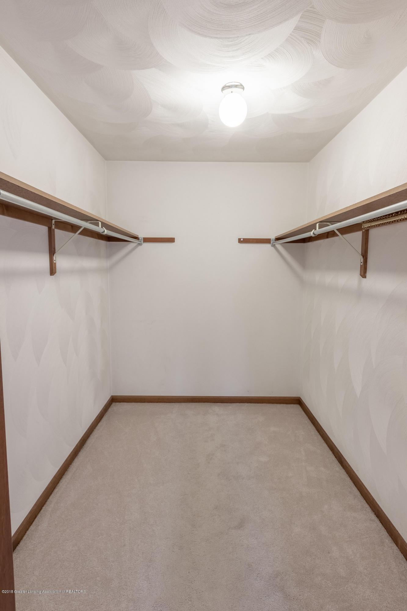 3981 Breckinridge Dr - Master Walk-In Closet - 29