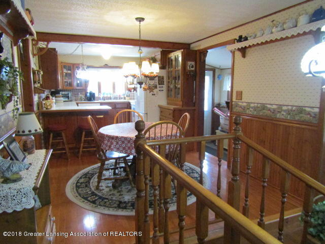 9105 Walker Rd - Toward Kitchen - 12