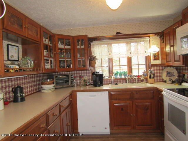 9105 Walker Rd - Plenty of Counter Space - 15