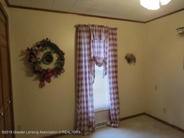 9105 Walker Rd - Bedroom 2 - 22