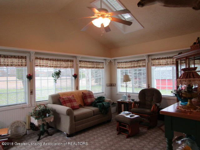 9105 Walker Rd - Family Room - 27