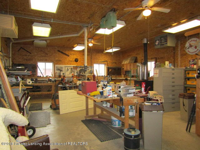 9105 Walker Rd - Heated Workshop - 35