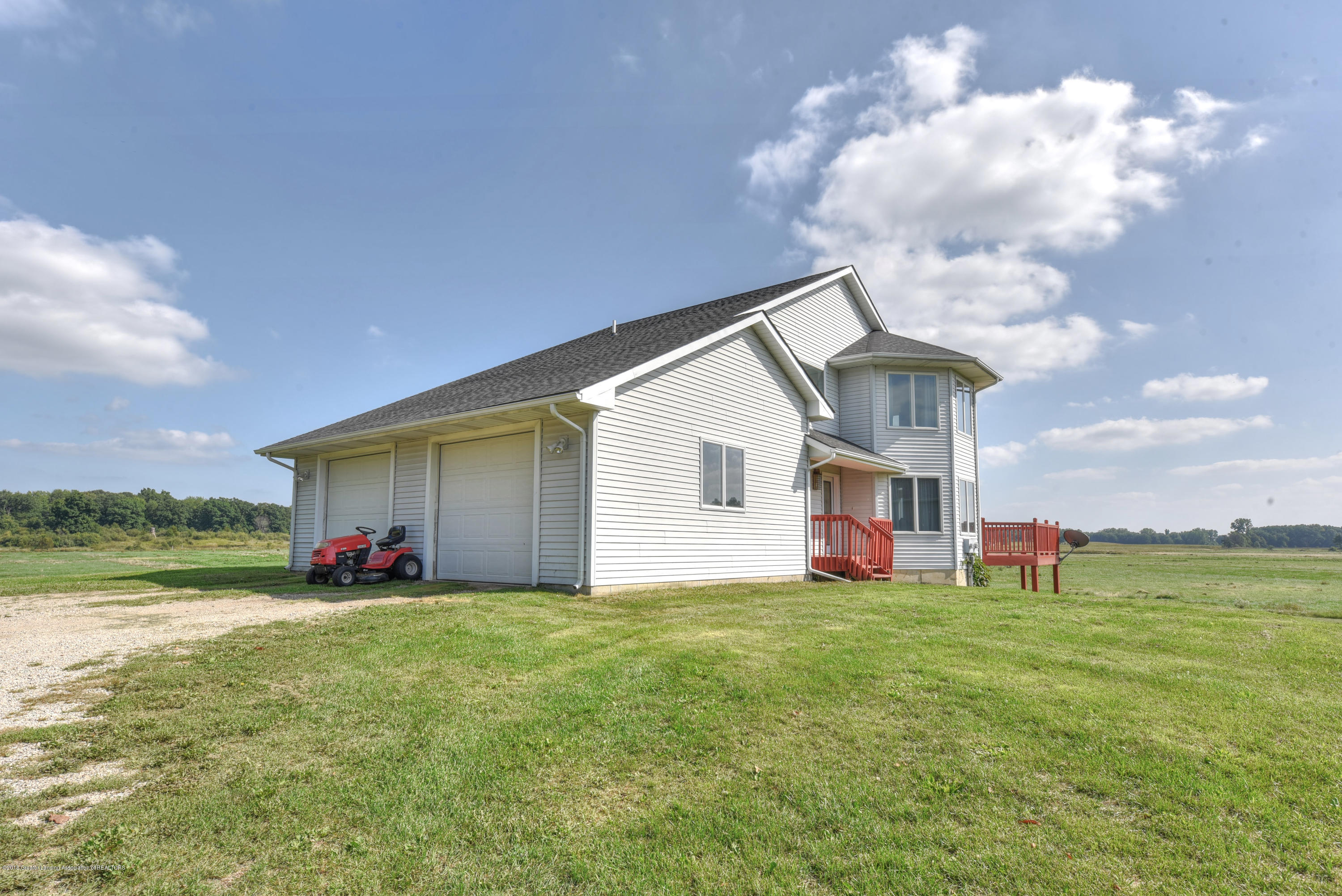 11088 W Coon Lake Rd - Garage - 2