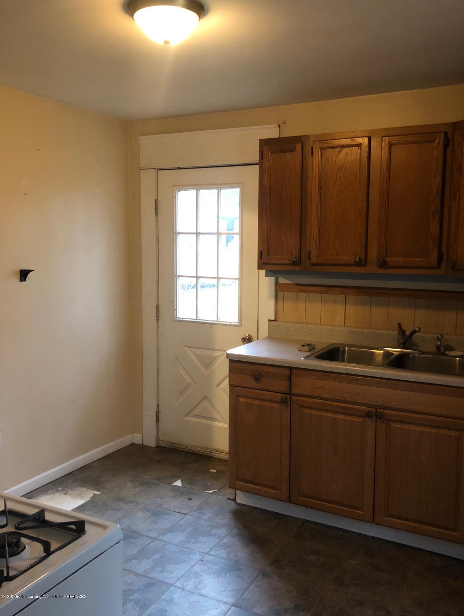 13580 Walnut St - Kitchen - 10