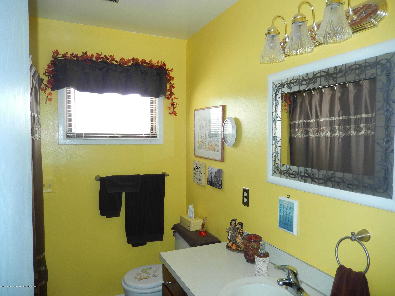 2809 N Canal Rd - Bathroom - 13