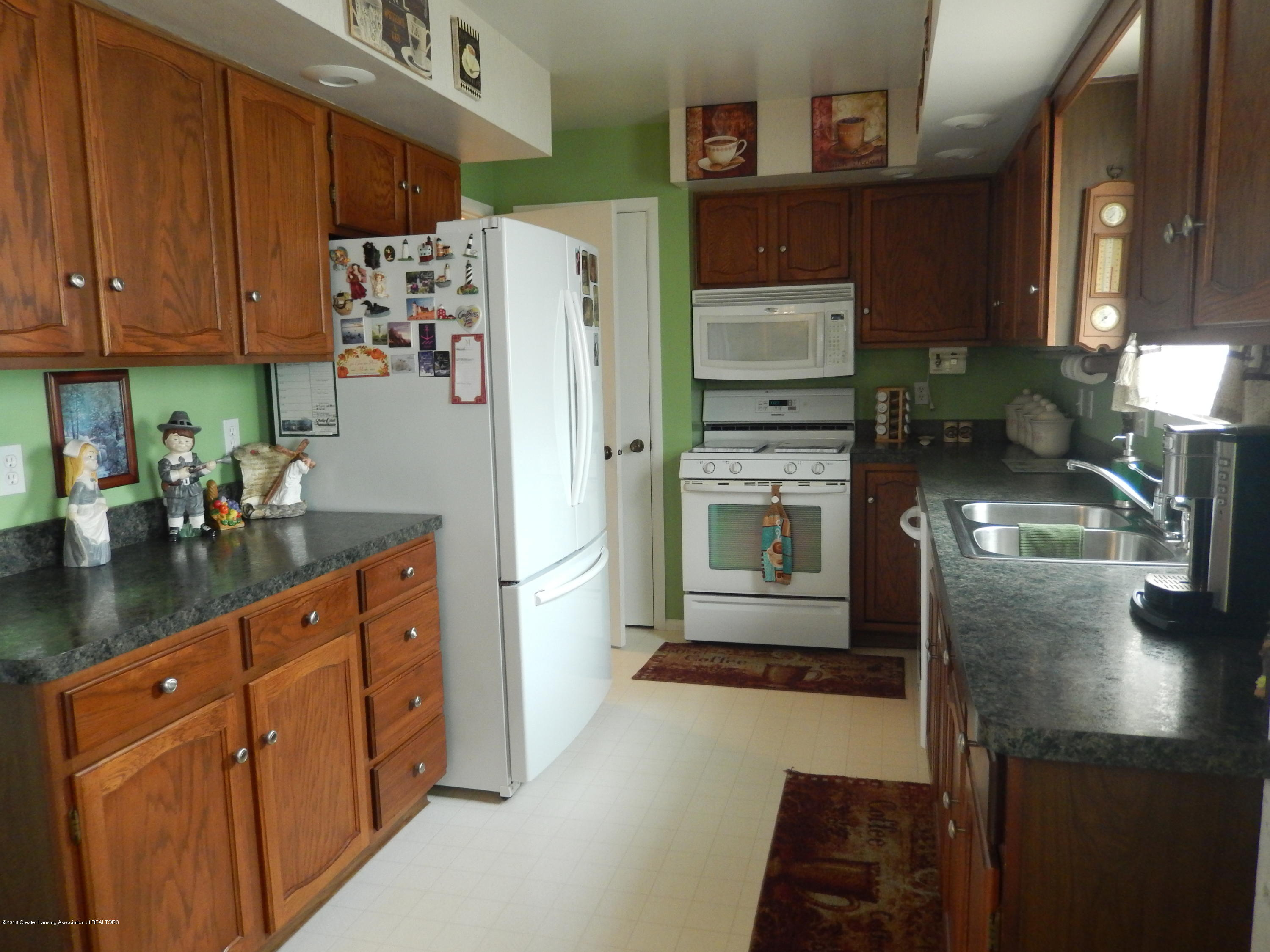 2809 N Canal Rd - Kitchen - 2