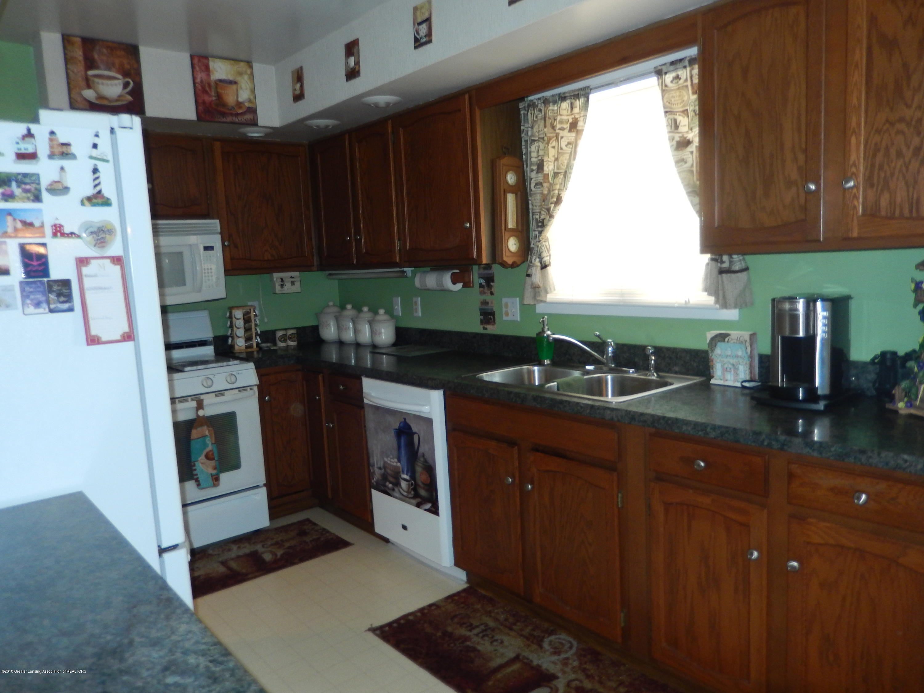 2809 N Canal Rd - Kitchen - 3