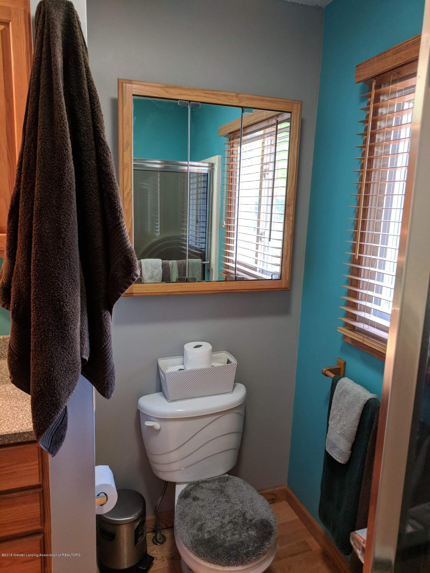 8175 Hunter Rd - Bathroom - 30