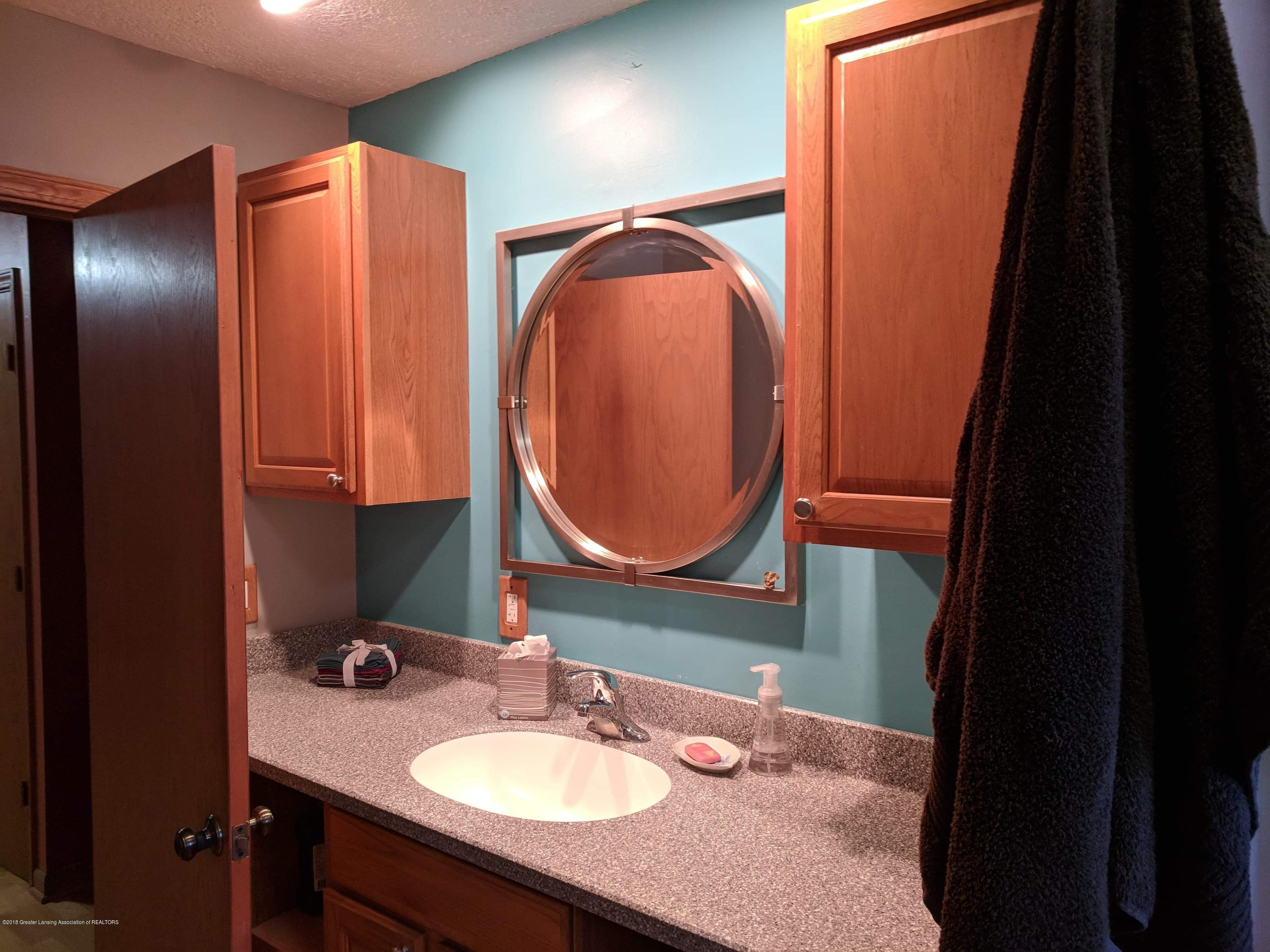 8175 Hunter Rd - Bathroom - 28