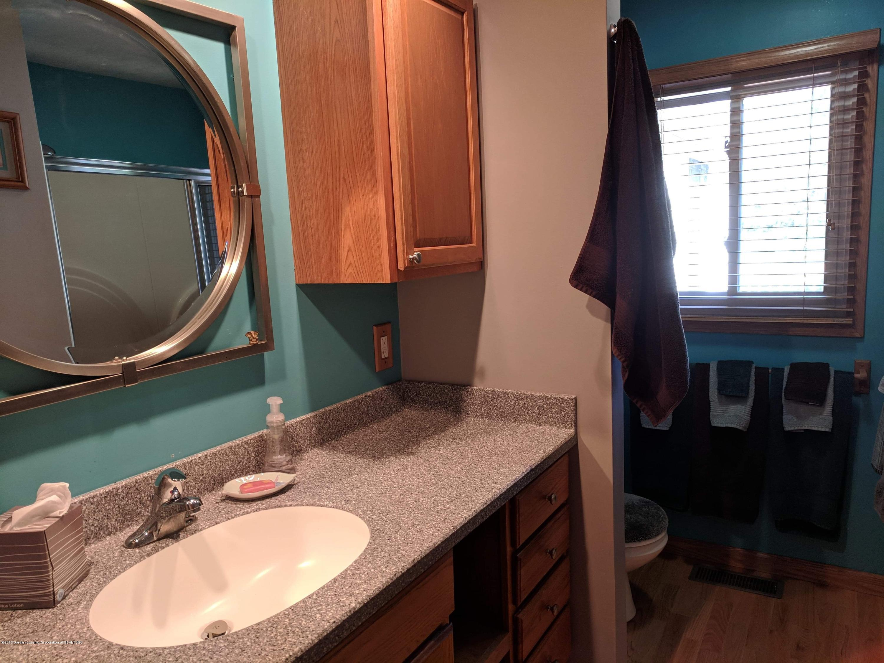8175 Hunter Rd - Bathroom - 29