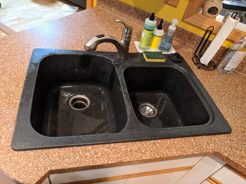 8175 Hunter Rd - Kitchen - 17